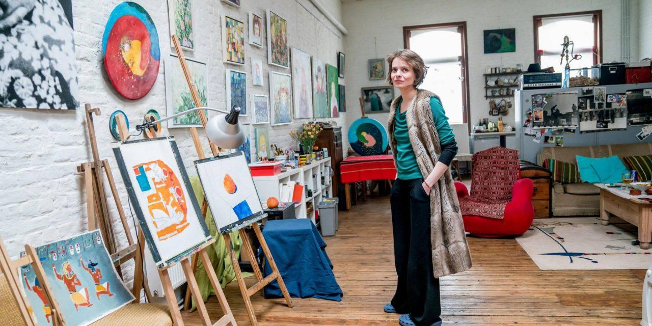 O revelaţie a artei plastice din Moldova, cucerește Europa