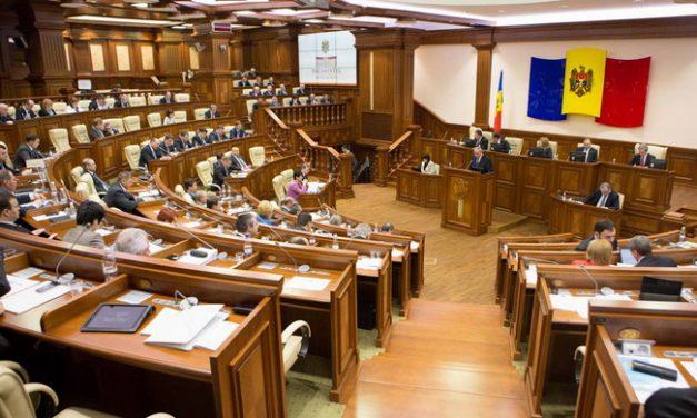 Cât mai rezistă coaliţia AIE-3 după arestarea lui Vlad Filat?