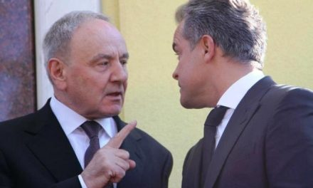 Guvernul lui Plahotniuc, dependent de acordul cu FMI şi de banii de la Bucureşti