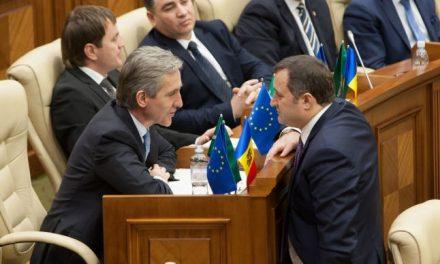 Destructurarea PLDM, singura şansă de supravieţuire politică a lui Iurie Leancă (I)