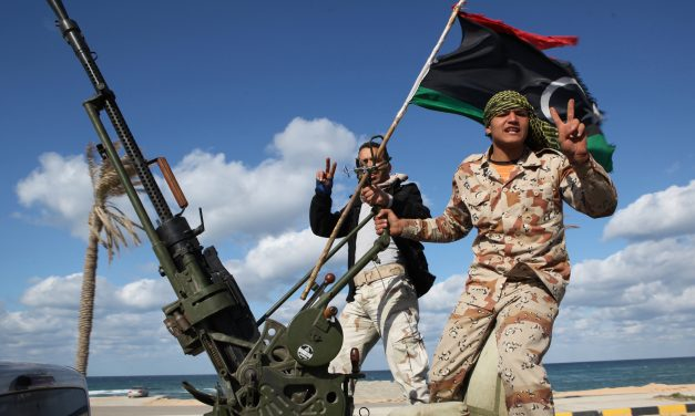 La ce poate duce confruntarea din Libia: democratizare sau irakizare?