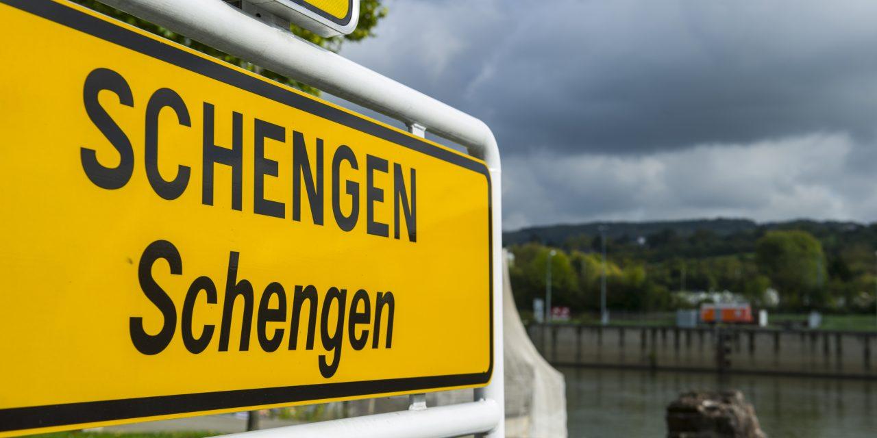 Aderarea la spaţiul Schengen sau nevoia de resetare