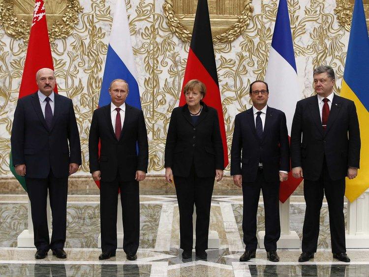Între Germania cancelarului Merkel şi Rusia preşedintelui Putin