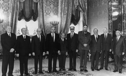 Procesul destructurării glacisului strategic sovietic din Europa Centrală și de Est văzut de la Moscova*