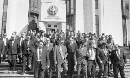 Prăbușirea glacisului strategic al URSS și drumul spre suveranitate al RSSM (1989 – 1990)*